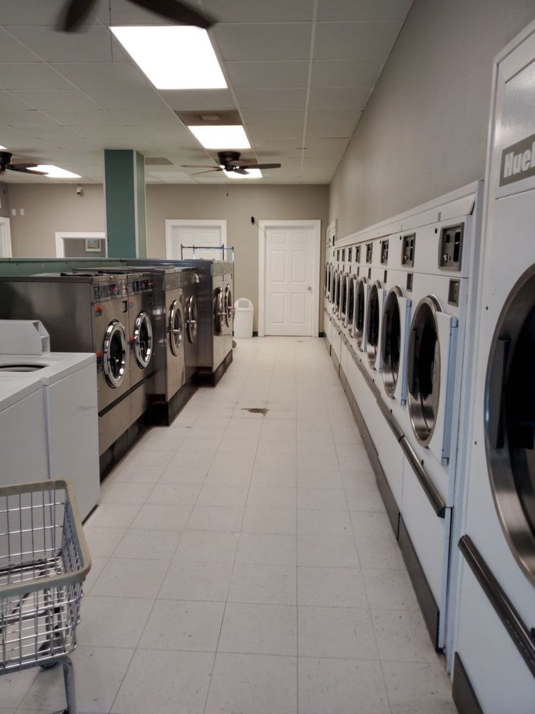 Soaps Linen Service & Washateria: 16708 Termini San Luis Pass Rd, Galveston, TX
