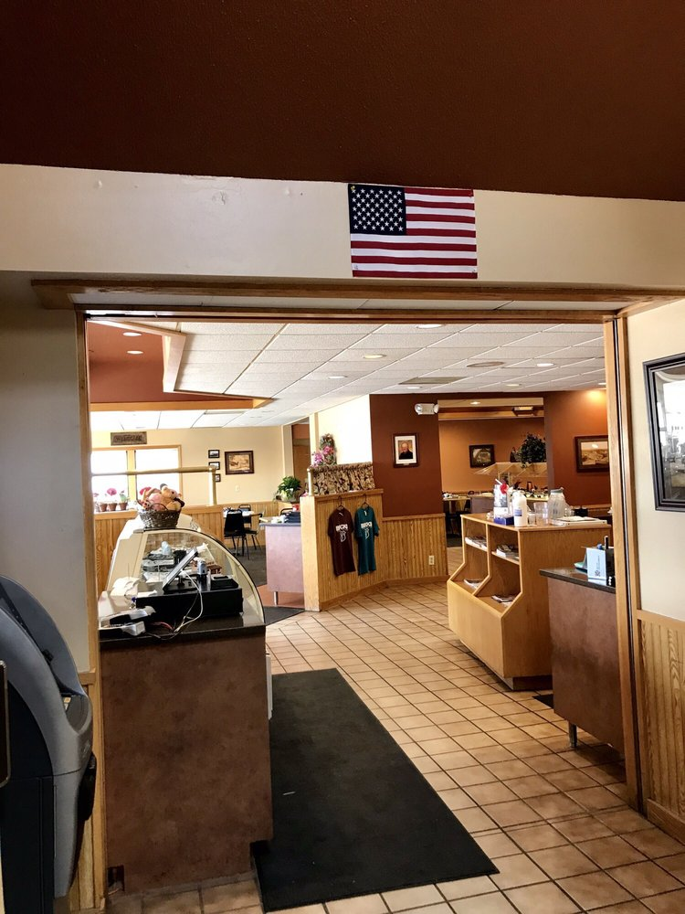Brick's Travel Center: 265 Hwy 10 W, Motley, MN