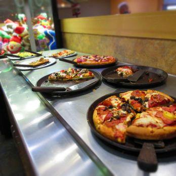 Magnificent Izzys Pizza Buffet Closed 69 Photos 55 Reviews Home Interior And Landscaping Fragforummapetitesourisinfo