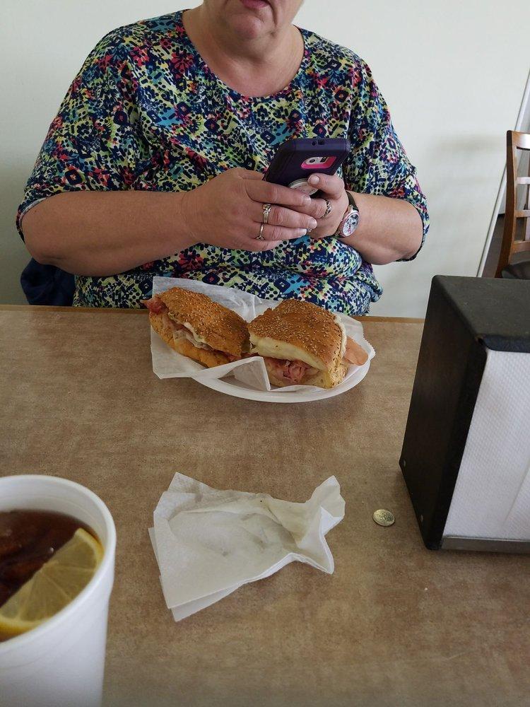 Lunch Box: 210 Hwy 90, Waveland, MS