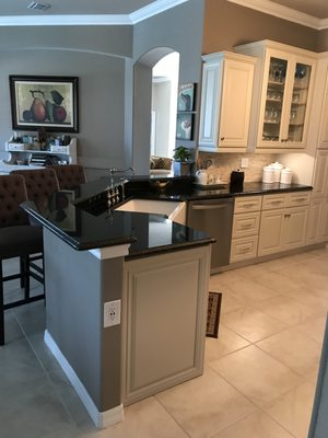 Enjoyable Cabinets To Go 11780 Philips Hwy Jacksonville Fl Hardware Download Free Architecture Designs Philgrimeyleaguecom
