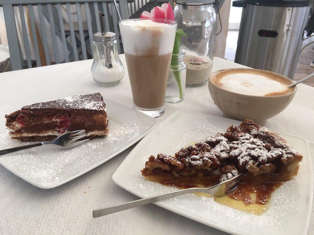 Walnuss Karamell Kuchen Und Himbeer Mascarpone Tarte Beide