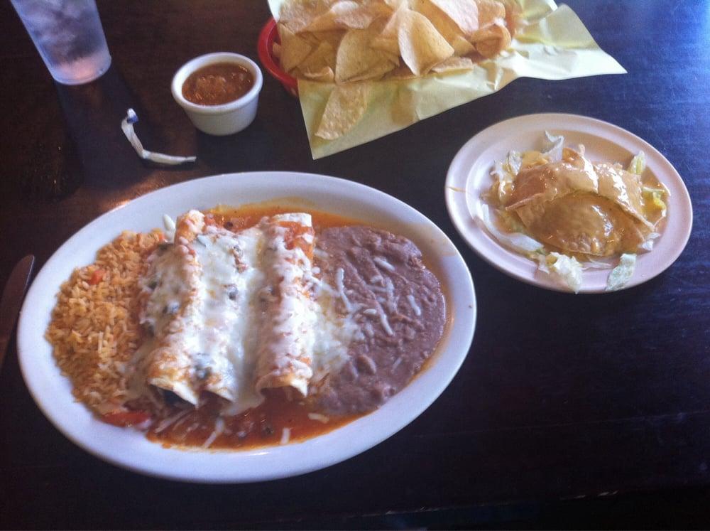 Rancho Grande Mexican Restaurant: 205 E Pine St, Frankston, TX