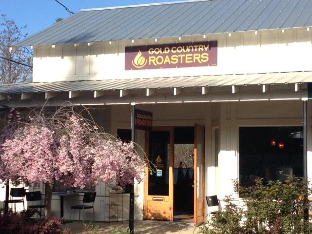 Gold Country Roasters: 78 Scott St, Murphys, CA