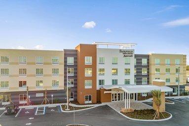 Fairfield Inn & Suites by Marriott St Petersburg North: 2575 54th Ave North, St Petersburg, FL