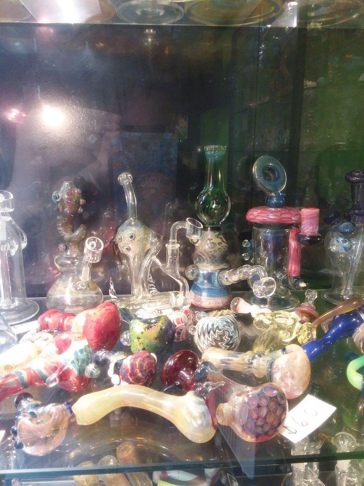 710 Glass & Vapor: 116 Meadville St, Edinboro, PA