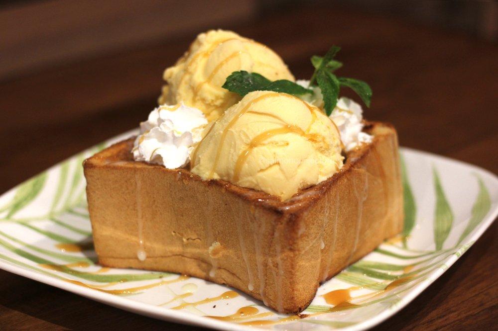 Sweet Mango Dessert Cafe