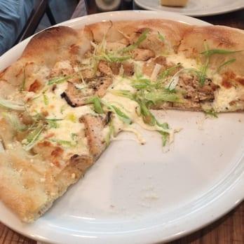 California Pizza Kitchen - 204 Photos & 146 Reviews - Pizza - 1 ...