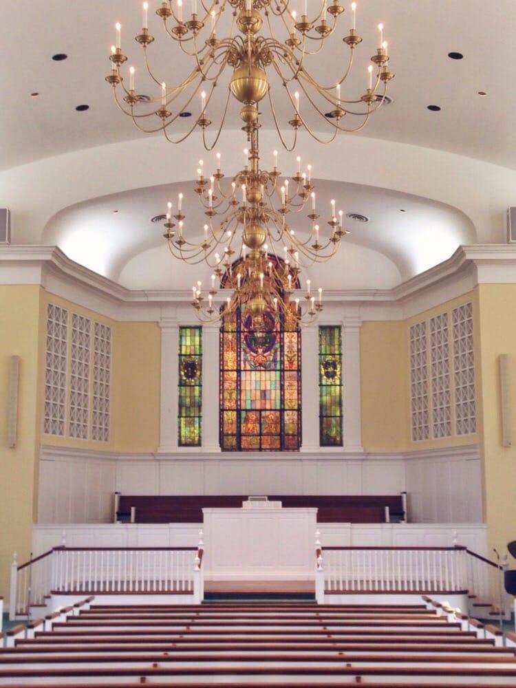 Broadway Baptist Church: 4000 Brownsboro Rd, Louisville, KY