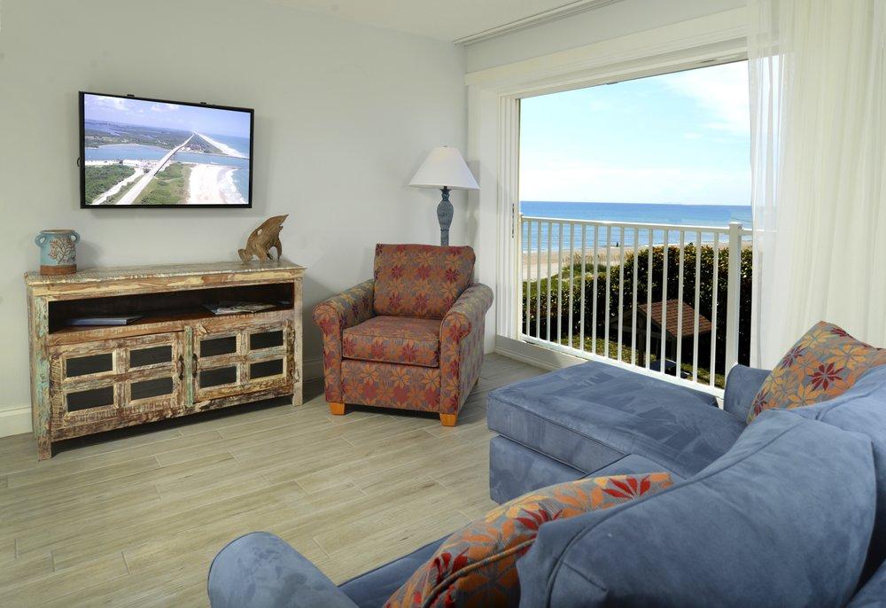 Tuckaway Shores Resort: 1441 S Miramar Ave, Indialantic, FL
