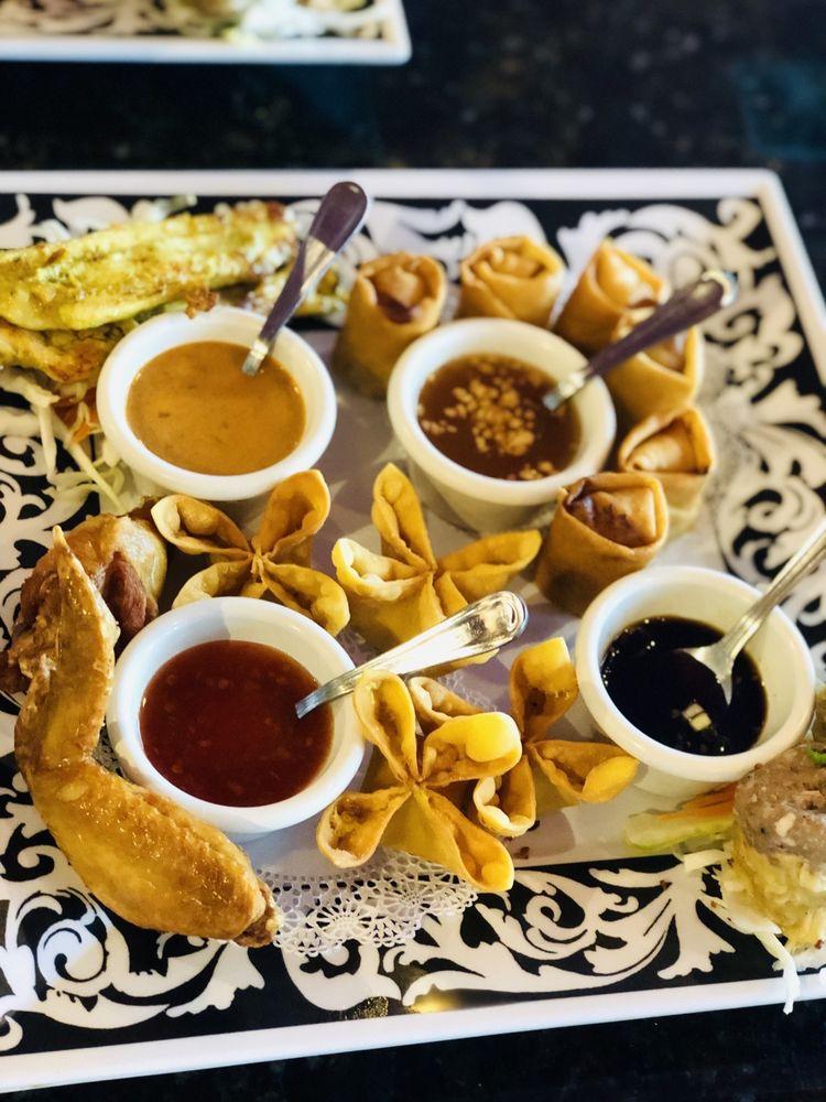 Bangkok Jazz Thai Restaurant: 6840 E Fowler Ave, Temple Terrace, FL