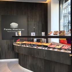 fdf32d17f2cd3 Pierre Marcolini Chocolatier - 195 Photos   148 Reviews - Candy Stores -  Minimenstraat 1