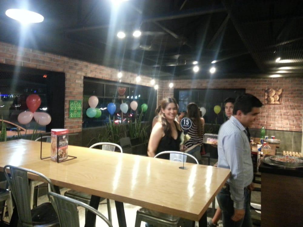 Domino s pizza monterrey nuevo le n mexico reviews for Dominos pizza salon