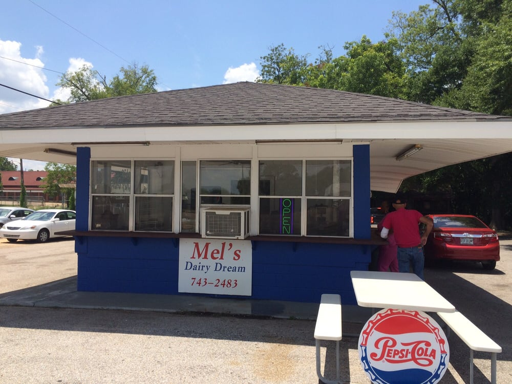 Mel's Dairy Dream: 263 S Alabama Ave, Monroeville, AL
