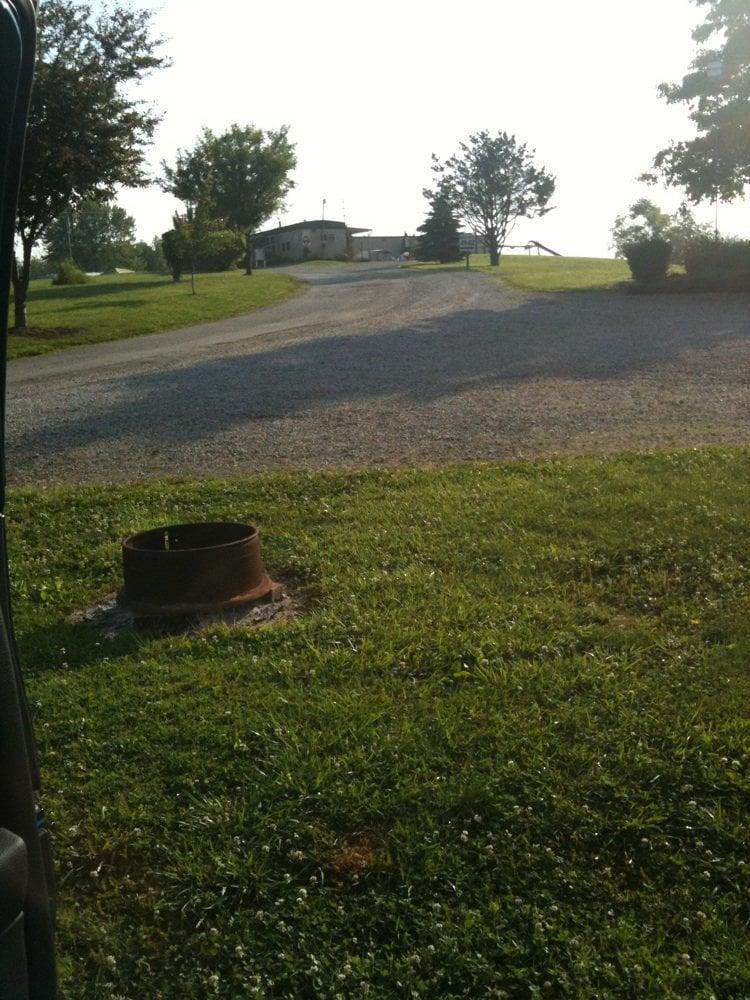 Wolfie's Campground: 101 Buckeye Dr, Zanesville, OH