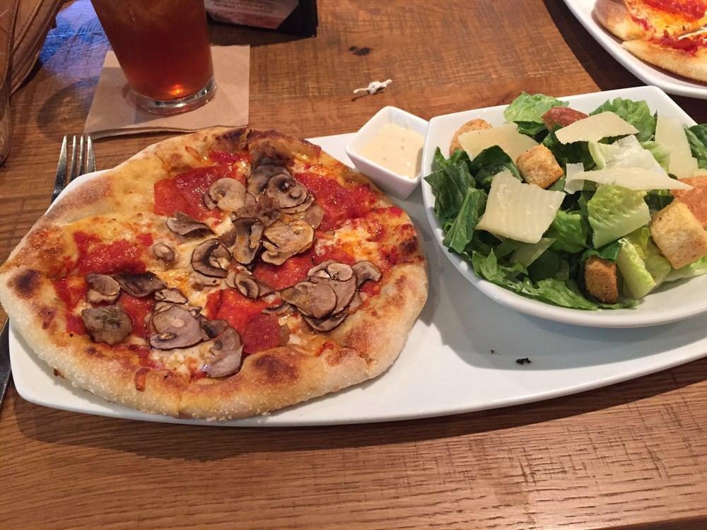 California Pizza Kitchen Houston River Oaks