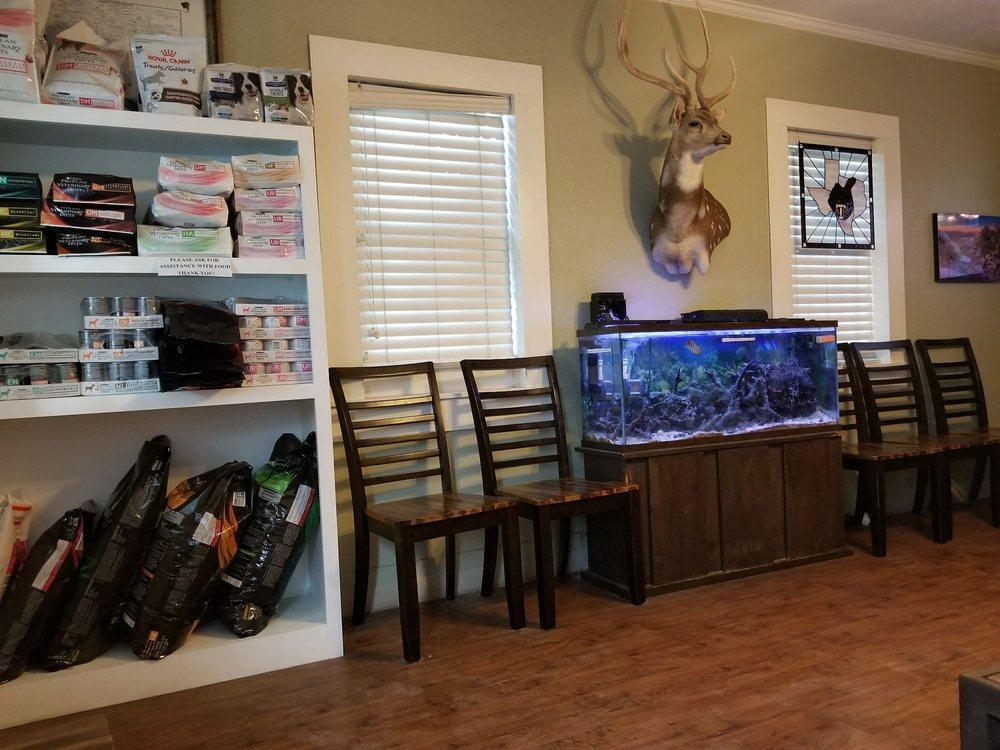 Marion Animal Hospital: 128 W Seguin St, Marion, TX