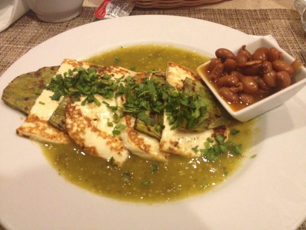 Nopal con queso panela a la plancha ba ado en salsa verde for Cuisine 0 la plancha