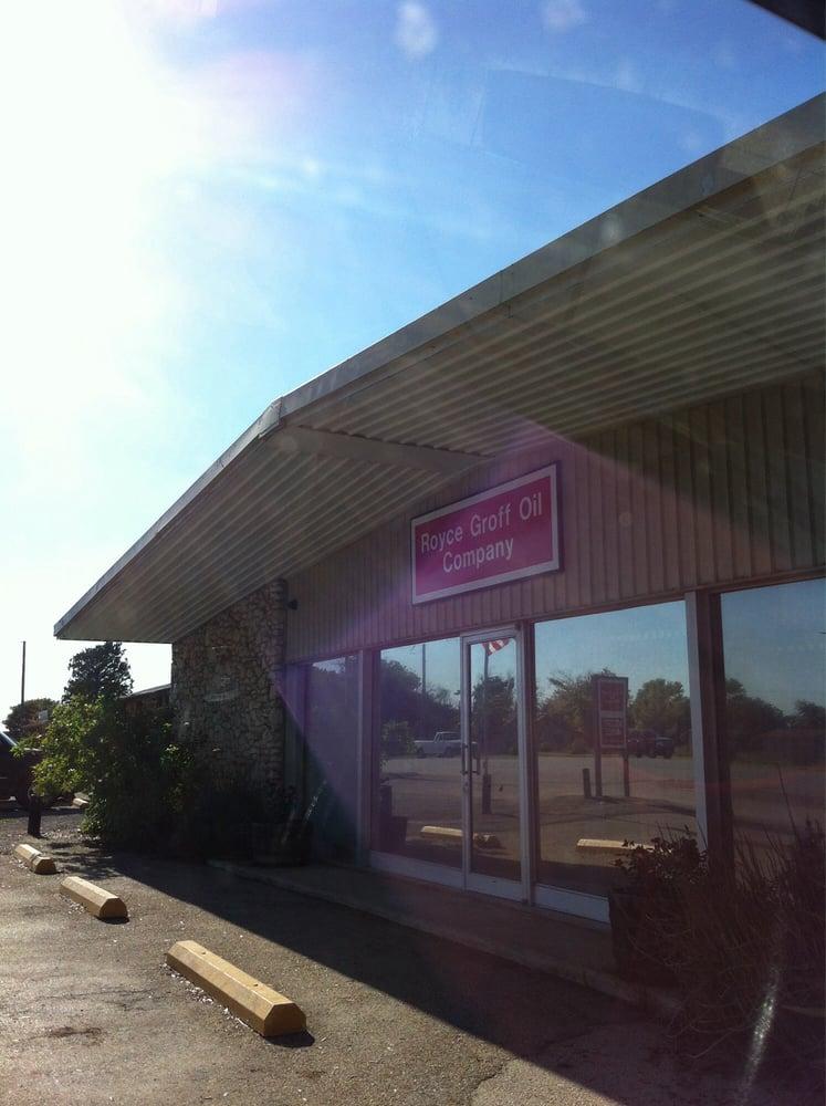 Royce Groff Oil Company: 515 US Hwy 90 E, Castroville, TX