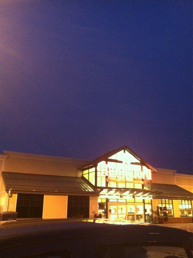 Hannaford Supermarket: 11140 Western Tpke, Esperance, NY
