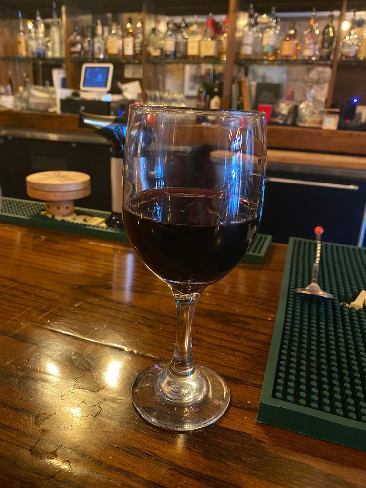 RNA Tavern: 108 S Johnson St, Mineola, TX