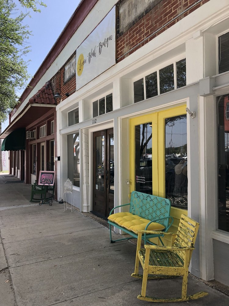 Lemon Blush Boutique: 112 S Covington St, Hillsboro, TX