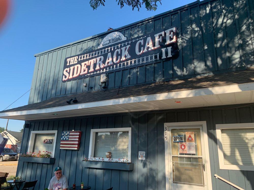 Sidetrack Cafe: 315 N Main St, Watervliet, MI
