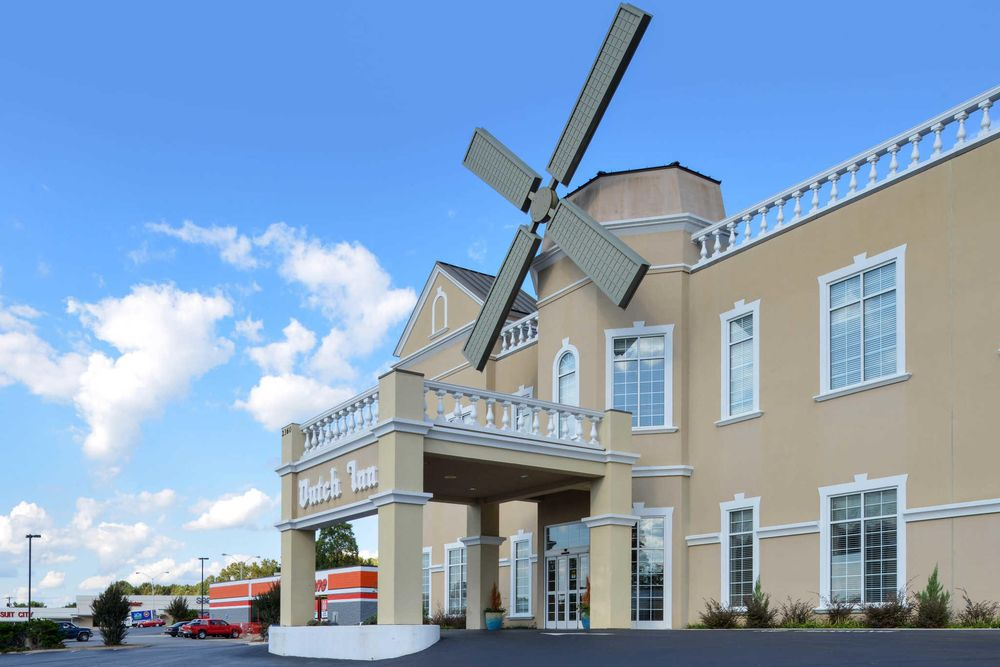 Quality Inn Dutch Inn: 2360 Virginia Ave, Collinsville, VA