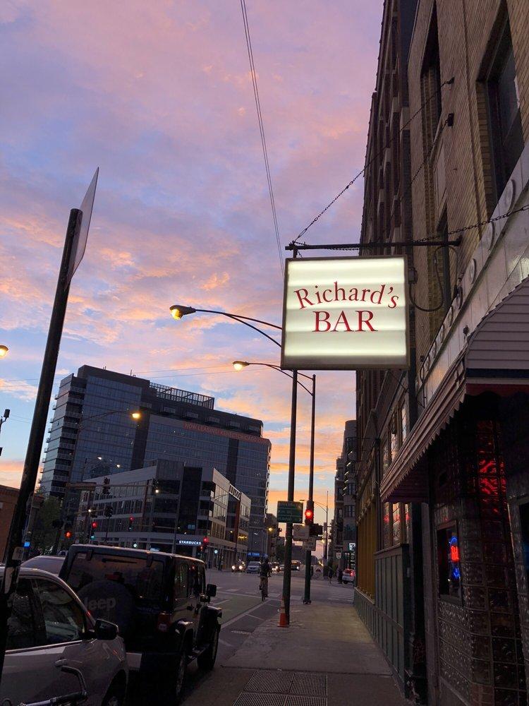 Richard's Bar: 491 N Milwaukee Ave, Chicago, IL
