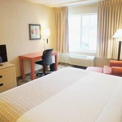 Photo Of La Quinta Inn Suites White Plains Elmsford Ny