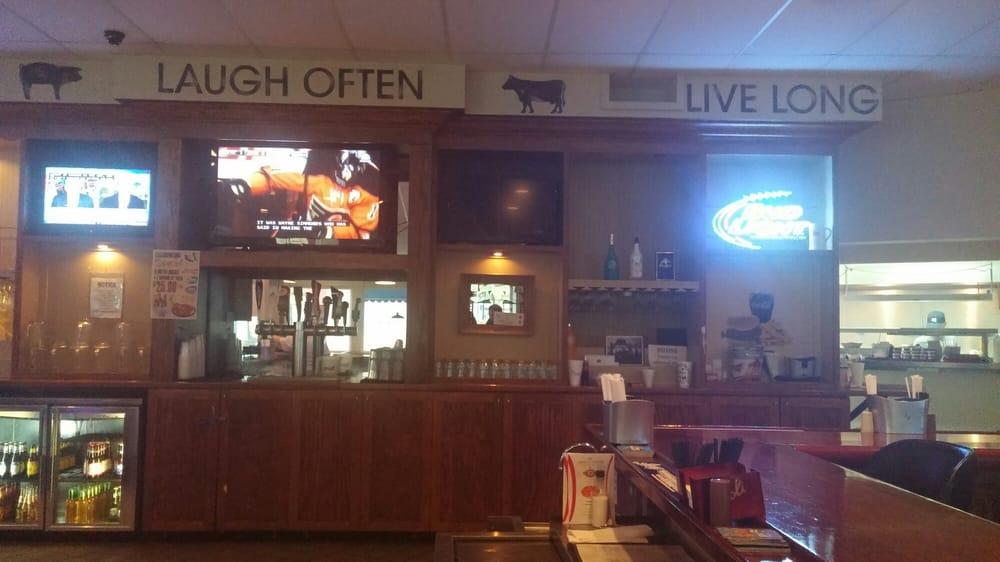 10 Pin Tavern: 950 Eagle Ridge Dr, Lake Wales, FL