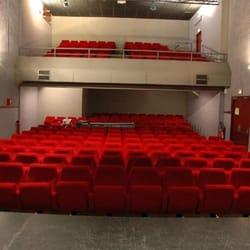 Theatre Les Bains Douches Performing Arts Place Anne Sylvestre