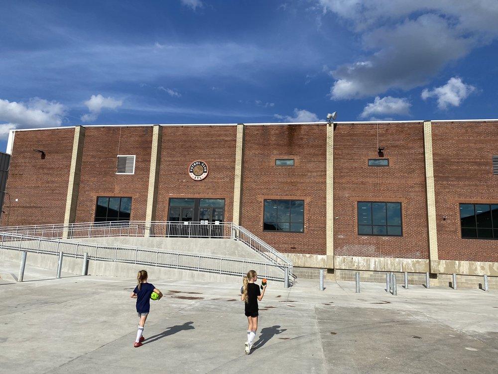 Futbol Club STL: 4900 Manchester Ave, St. Louis, MO
