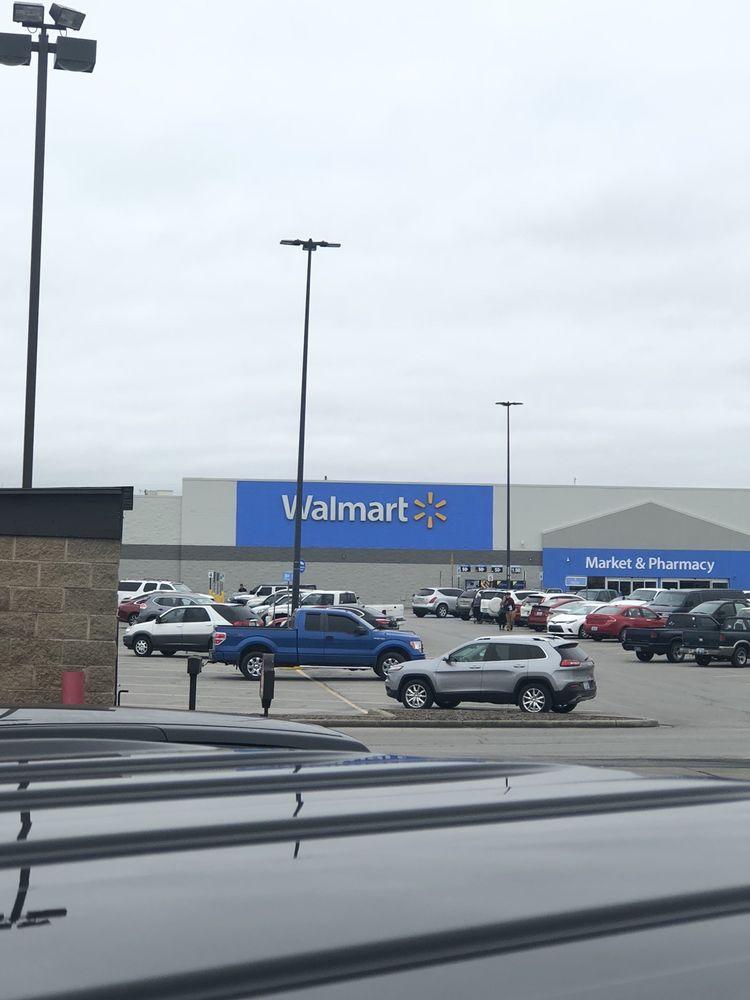 Walmart Supercenter: 1283 US Highway 27 N, Stanford, KY