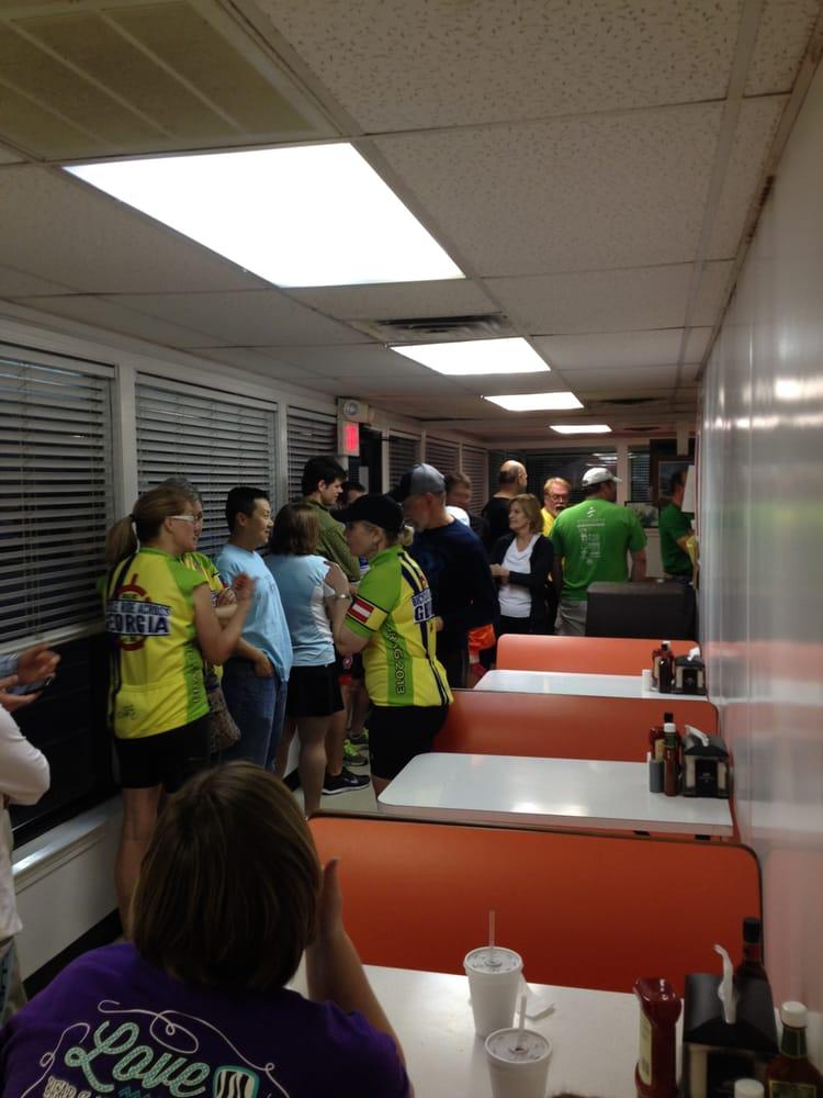 Burger Den: 160 Ga Hwy 2, Cohutta, GA