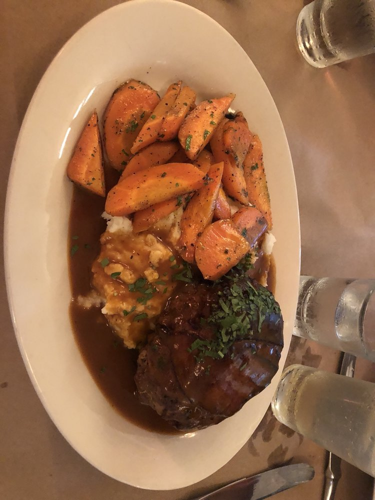 Blue Plate Restaurant: 1 Kinderhook St, Chatham, NY
