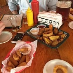 16 Around The Corner Pub