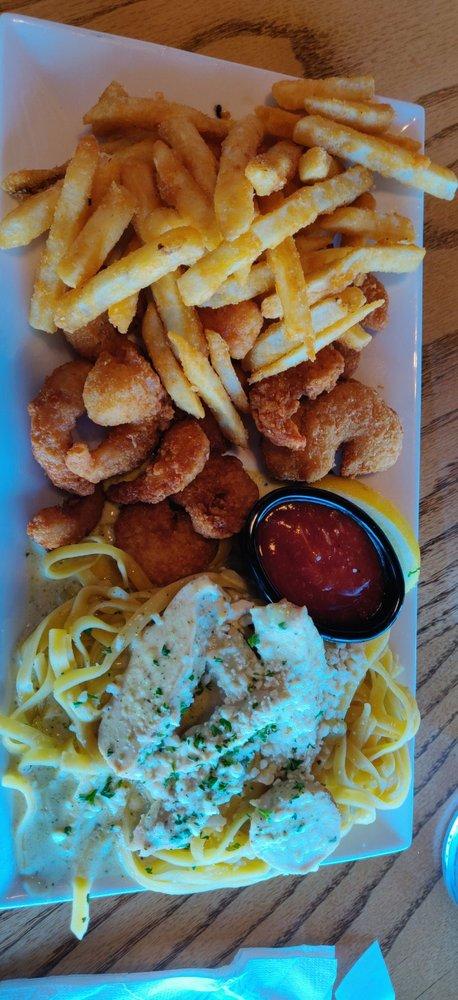 Cooper's Restaurant & Sports Bar: 554 Lewis Lp, Fish Haven, ID