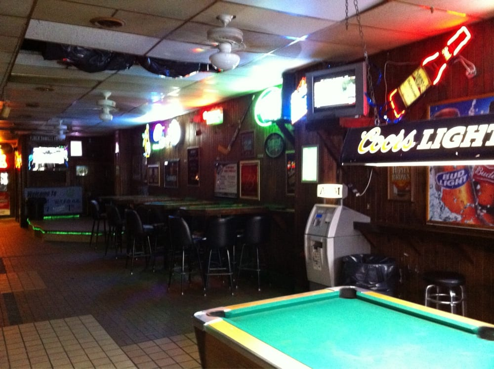 Pawpurr's Bar: 37 N Court St, Athens, OH