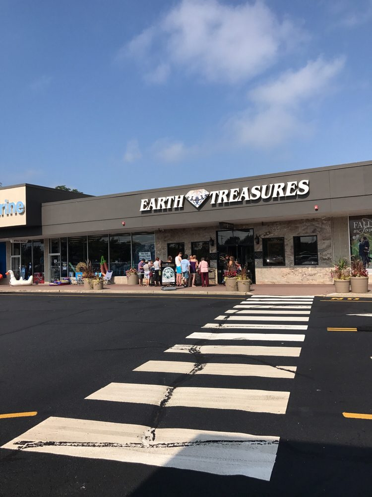 Earth Treasures Fine Jewelers: 178 Rte 35 S, Eatontown, NJ