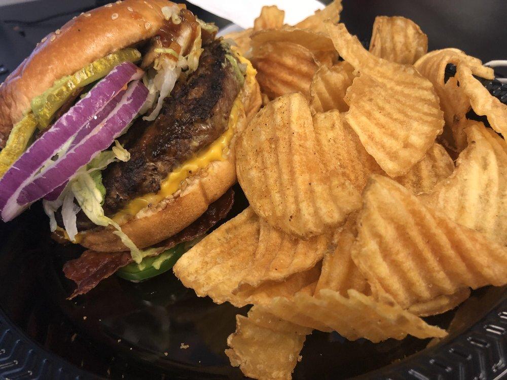 Red Robin Gourmet Burgers and Brews: 21045 Dulles Town Cir, Dulles, VA