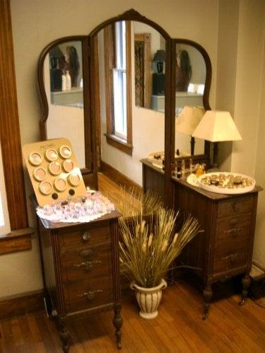 Salon West: 824 W Front St, Traverse City, MI