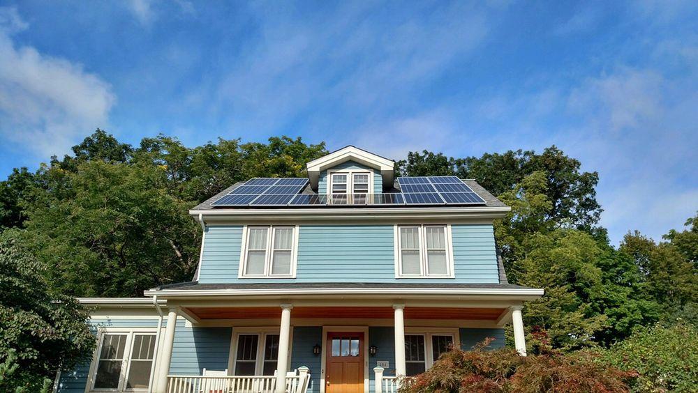 Michigan Solar Solutions: 509 Sherbrooke St, Commerce, MI