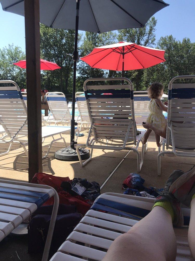 Brentwood Swim Club: 2100 S Central St, Saint Louis, MO