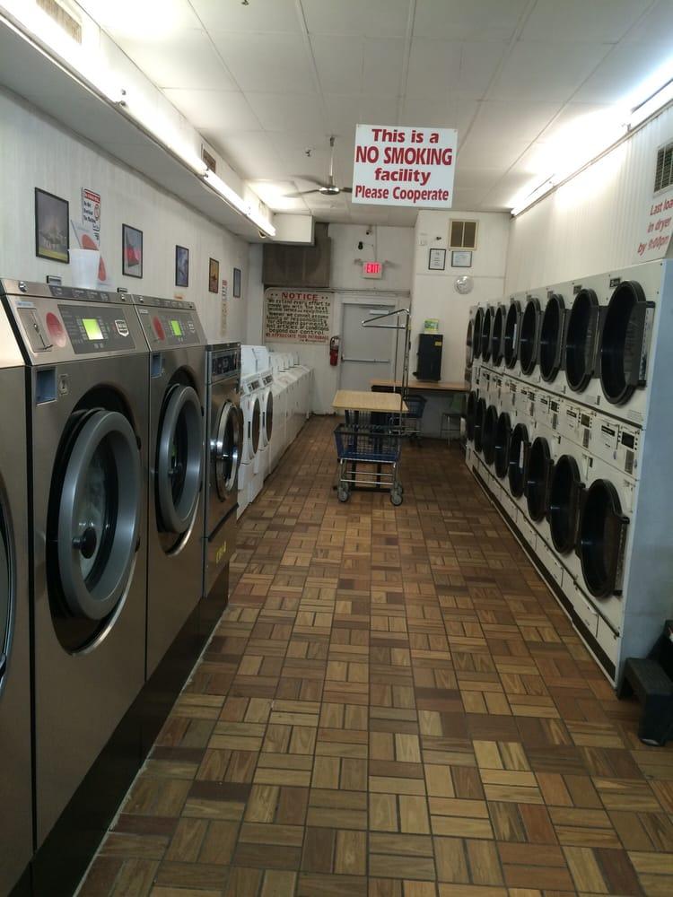 Wrightstown Laundromat: 421 E Main St, Wrightstown, NJ