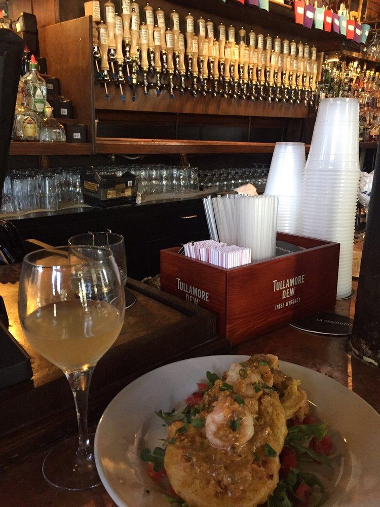 The Avenue Pub: 1732 St Charles Ave, New Orleans, LA