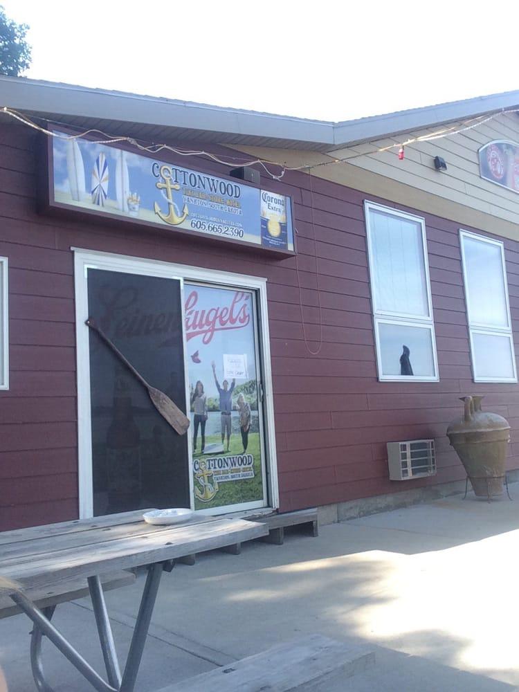 Cottonwood And Shipwreck Bar: 43504 Sd Hwy 52, Yankton, SD