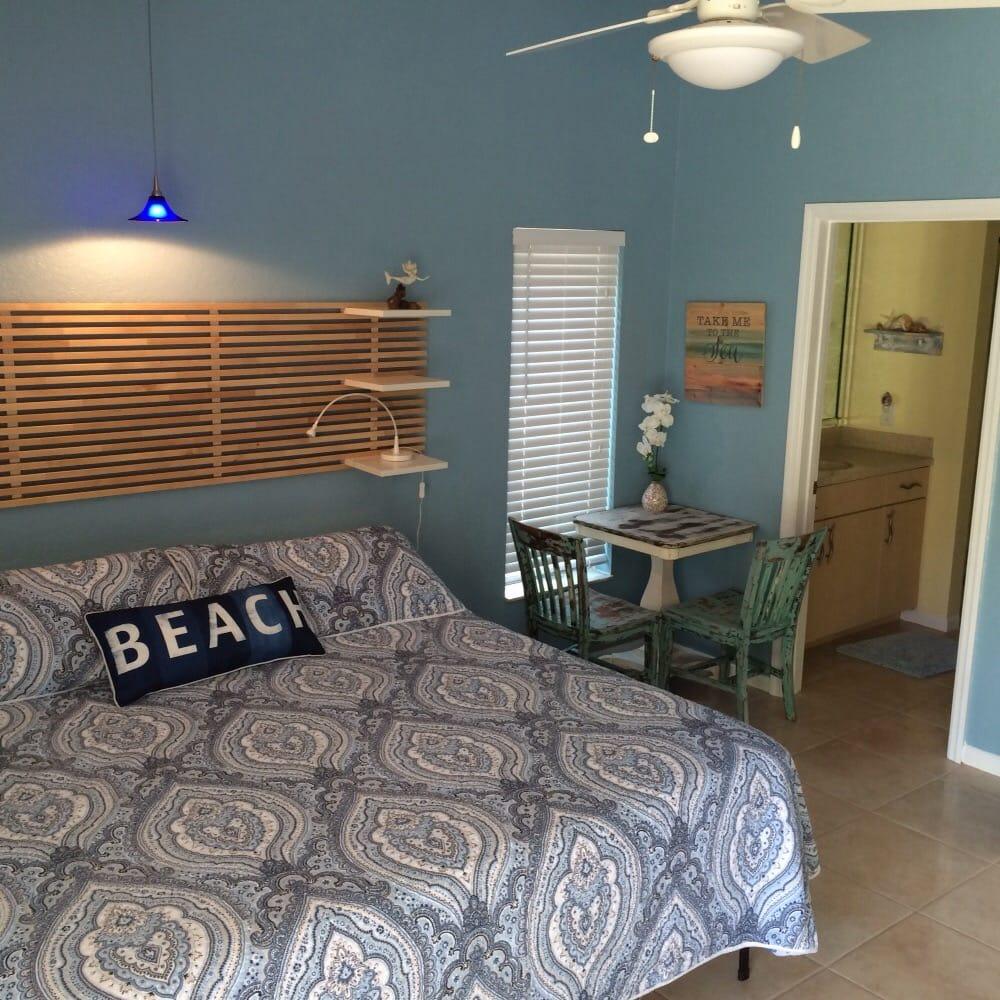 Island Rum Suites: 8900 143rd St N, Tampa Bay, FL