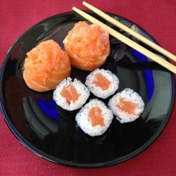foto di kayama milano italia gunkan spicy salmon e hossomaki shake