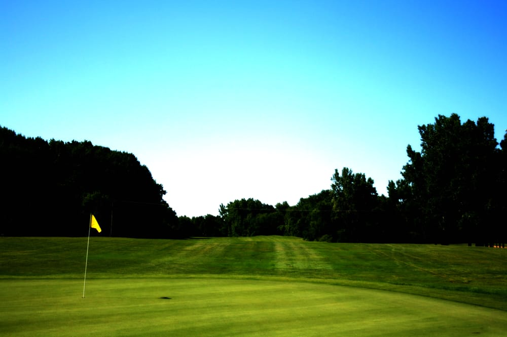 English Hills Golf Course: 1200 Four Mile Rd NW, Grand Rapids, MI